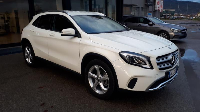 MERCEDES-BENZ - GLA 200 d